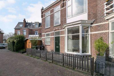 van Sytzamastraat 1, Leeuwarden