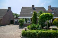 Willibrordusweg 6, Esch