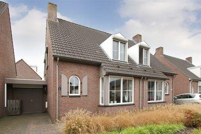 Jan Mennenstraat 28, Roggel