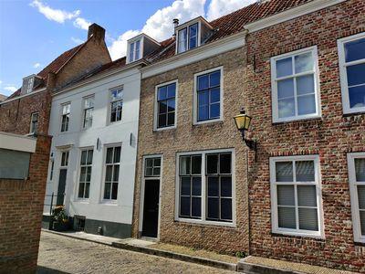 Achter het Hofplein, Middelburg