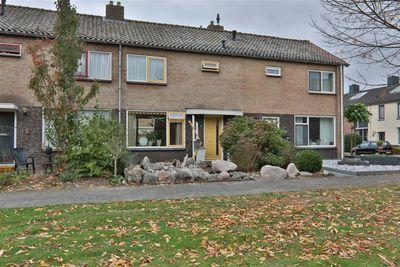 Korhoenlaan 40, Hoogeveen