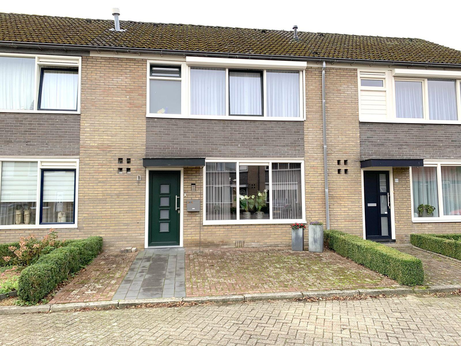 Uithof 102, Schoonebeek
