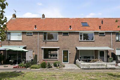 Mgr Cornelis Veermanlaan 36, Volendam