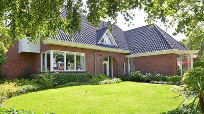 Pastoor Ossestraat 10, Bornerbroek