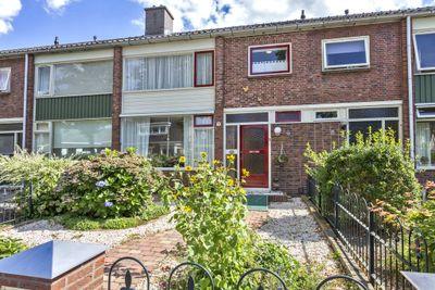 Fossemastraat 7, Surhuisterveen
