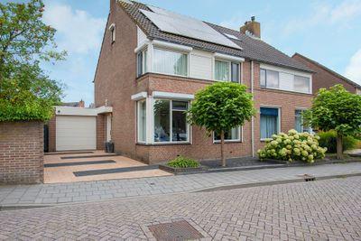 Banjaard 32, Arnemuiden