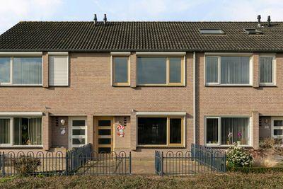 Iepenberg 61, Roosendaal