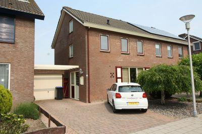 Dokter Vermetstraat, Nieuw-Vossemeer