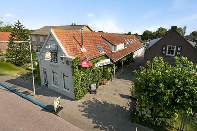 Oude Havenweg 6, Strijen