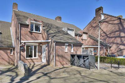 Sint Teunisstraat 24, Hoensbroek