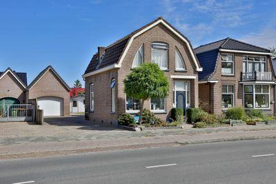 De Vos van Steenwijklaan 17, Hoogeveen