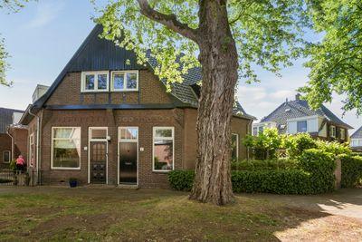 Burg. Van Beckhovenstraat 1, Oisterwijk