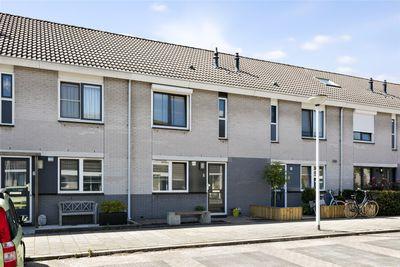 Zuurbeshof 8, Papendrecht