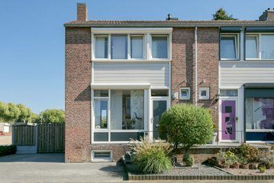 Burg. Willemsstraat 25, Hoensbroek