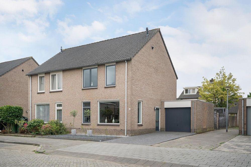 Willem Dreeslaan 54, Oosterhout