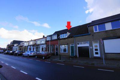 Burgemeester van Loonstraat 6, Steenbergen