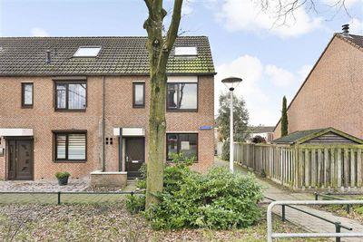 Veluwehof 55, Helmond