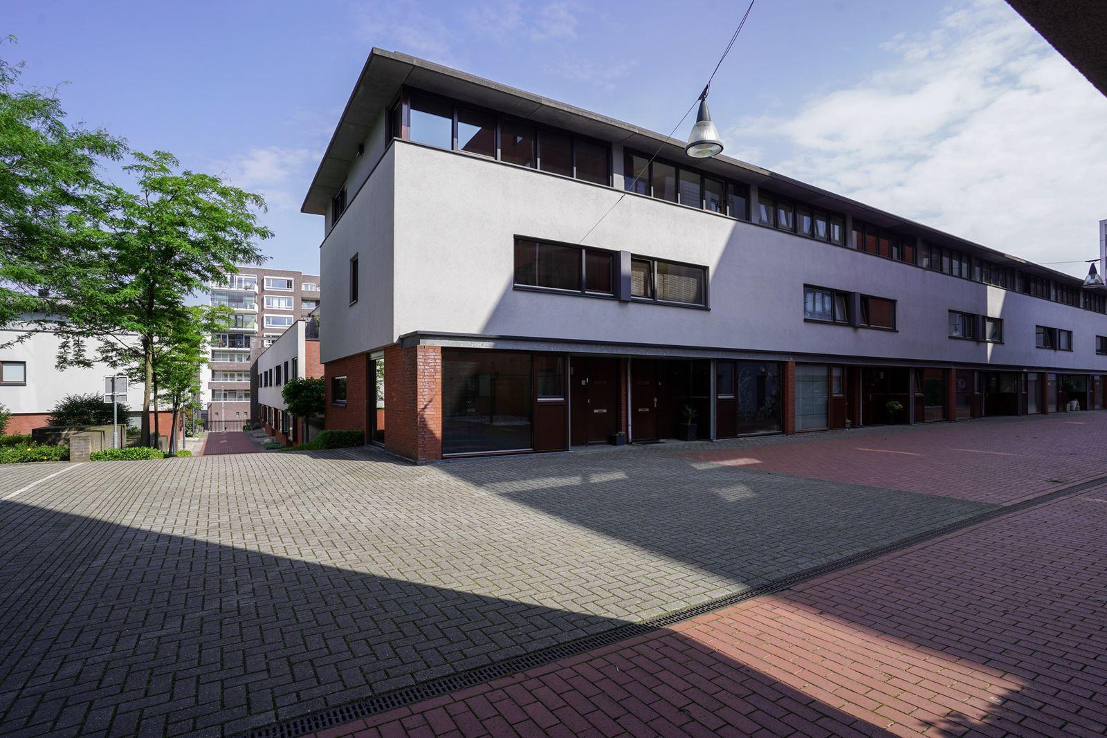 Sint Pietershof 75, Heerlen