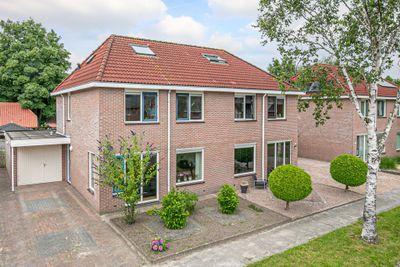H.J. Topstraat 28, Veendam