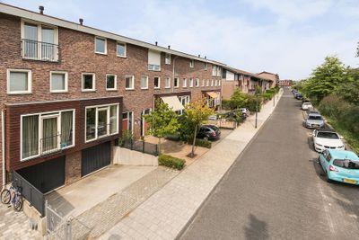 Desertosingel 57, Capelle aan den IJssel