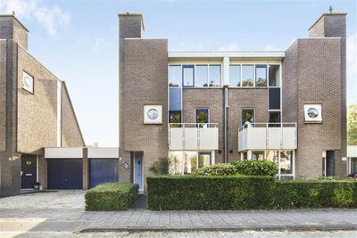 Belle van Zuylenstraat 3, Hoofddorp