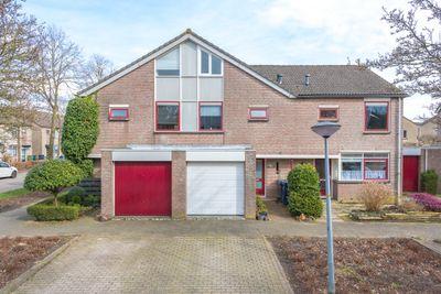 Alban Bergstraat 3, Almere