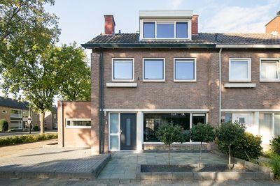 Klaverveld 1, Prinsenbeek
