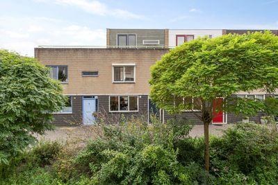 Guurtje Riemenshof 4, Leiden