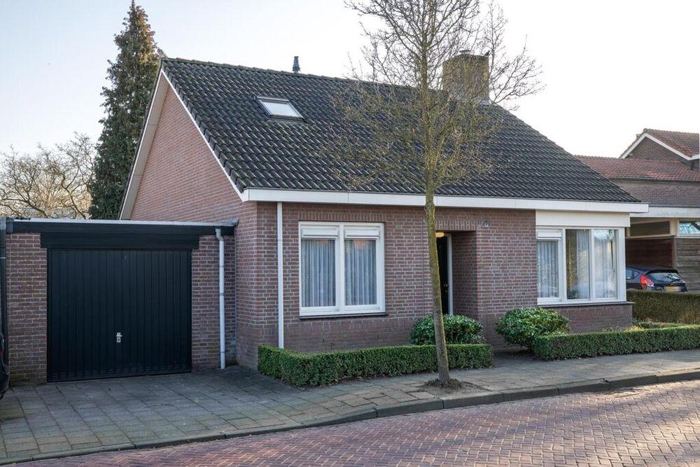 Petershemstraat 1, Hilvarenbeek