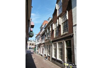 Vrouwensteeg, Leiden