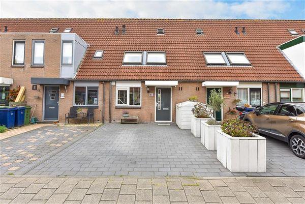 Hoensbroekstraat 15, Almere