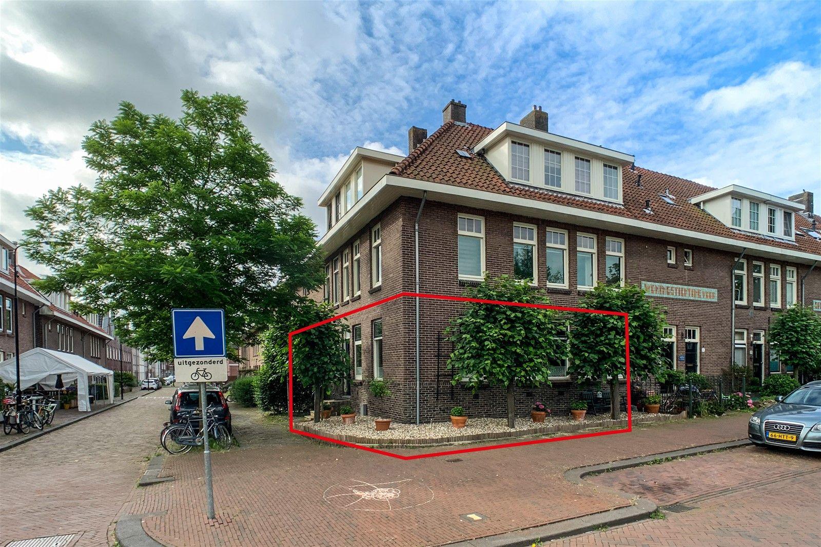 Plaspoelstraat 2, Leidschendam