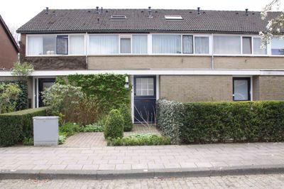 Oranjestraat 63, Elst