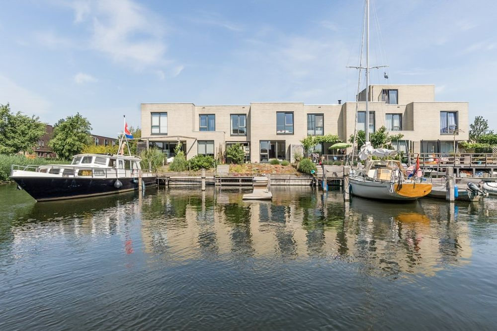 Ankerbol 4, Almere