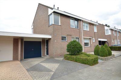Mgr Nolensstraat 11, Hoogerheide