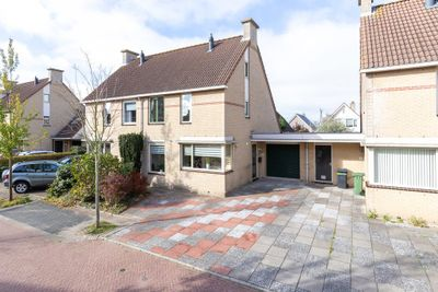 Willem Versteeghstraat 6, Sassenheim