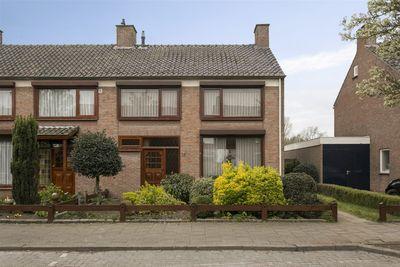 Bernhardstraat 19, Oud Gastel