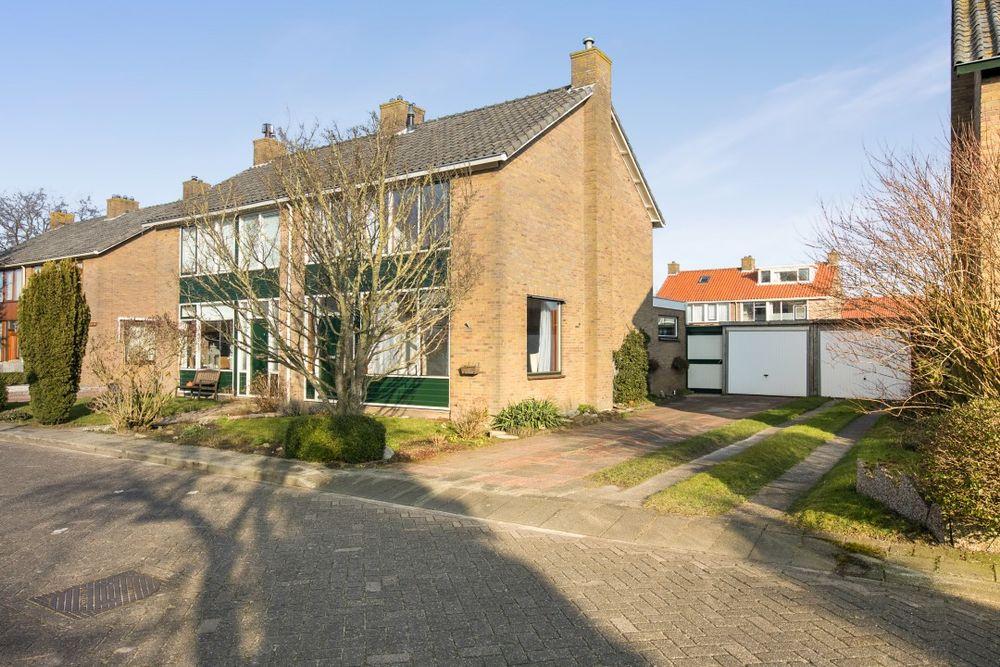 Meester J. de Vriesstraat 7, Julianadorp