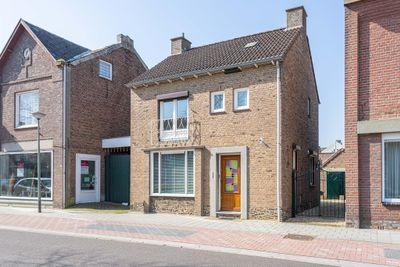 Raadhuisstraat 107, Urmond