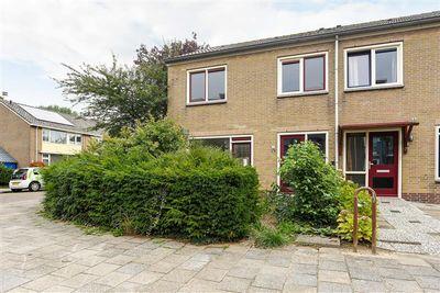Beinsdorpstraat 1, Nieuw-Vennep