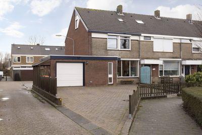 Zeestraat 62, Zevenbergen