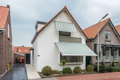 Louis Bouwmeesterplein 18, Middelharnis