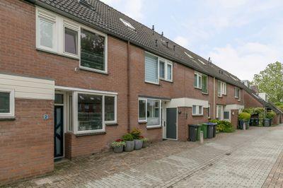 Kruisbesgaarde 2, Nieuwegein
