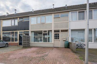 Constantijnstraat 123, Vroomshoop
