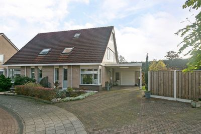 De wiezeboom 35, Steenwijk