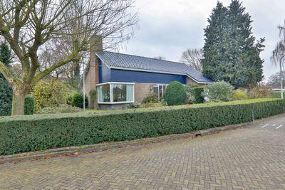 Ferdinand Bolstraat 3, Hoogeveen