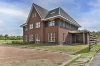 Feike Wybrensstrjitte 13, Surhuisterveen