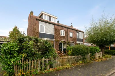 Beatrixstraat 25, Barendrecht