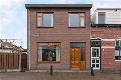 Korte Leeuwstraat 1, Halsteren