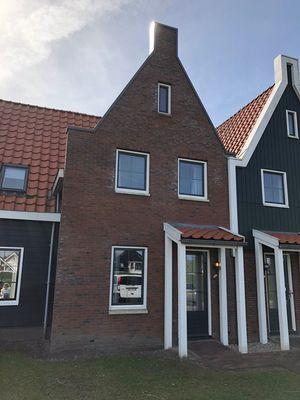 De Krom 248, Volendam